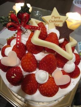 写真:「銀のぶどう」のクリスマスケーキ(クリックで拡大)