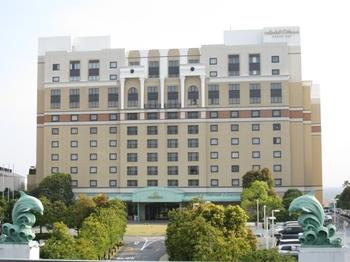 ホテルの全景(クリックで拡大)