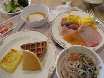 朝食(クリックで拡大)